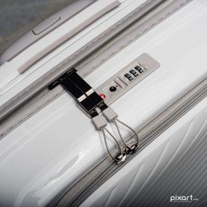 Protegido: IT Luggage Bancas | Fotografía Comercial de Maletas