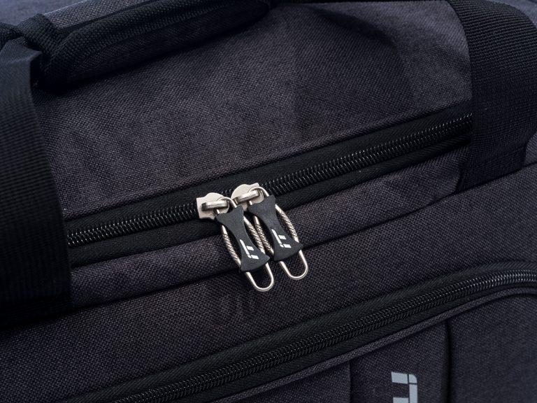 Protegido: IT International Traveler Dufles | Fotografía Comercial de Maletas